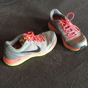 Nike FitSole Dual Fusion Sneakers